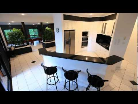 The Palms - 2 Storey Luxury Hamilton Island Holiday Home