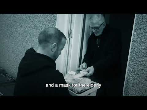 Couples Helping Their Elderly Neighbors In Scotland By Distributing Free Masks & Sanitizers
