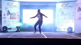 Choli Ke Peeche Kya Hai - Khalnayak | Dance Choreography |  BHAVIKA | Dance Battle 5 | Wingz Academy