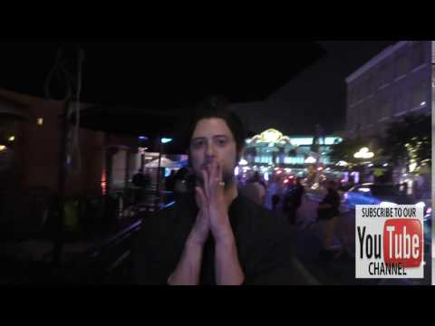 Hale Appleman Does Magic Trick on Streets of Comic Con San Diego