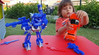 Fatih Selimin yeni Transformers robotu ejderhaya arabaya veee robota dönüşüyor,oyuncak açıyoruz