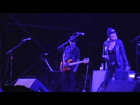 Lucinda Williams - 'Righteously' (Live at EOTR 2017)