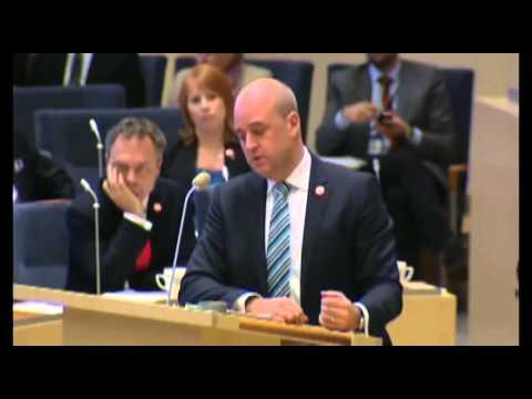 Jimmie Åkesson svårt hålla sig för skratt. Reinfeldt läxas upp. Skuldunionen.