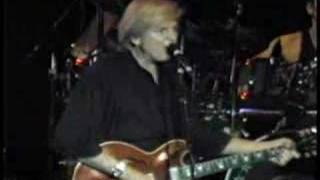 The Moody Blues perform The Story in Your Eyes at Allentown Fairgro...
