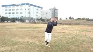 090215外野フライ捕球の仕方【花岡ヘッドコーチ】 thumbnail