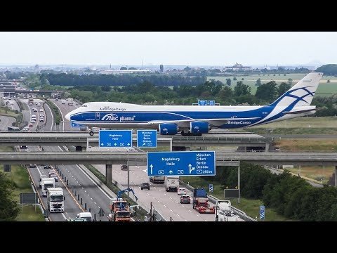 BOEING 747 crossing the AUTOBAHN after LANDING - B747 New Generation + Antonov AN124 (4K)