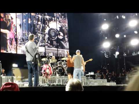 Kenny Chesney - No Shoes Nation Tour End - Foxboro