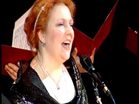 Блок девушка пела в церковном хоре анализе