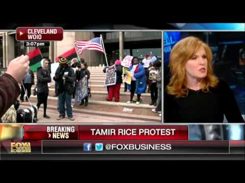 Protesters gather in Cleveland after Tamir Rice decision