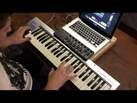 Lion and the Lamb- Bethel Worship MainStage patch keyboard demo by