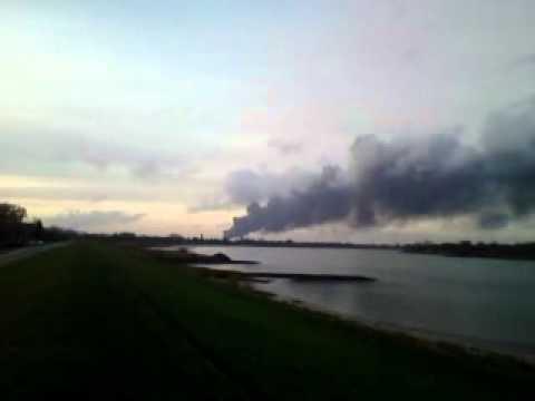 Feuer Hamburg Harburg, Rauchwolke über Der Elbe, Cloud Of Smoke