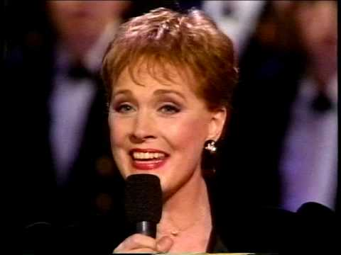 "Julie Andrews Christmas ""Sunny Bank"" - I Saw Three Ships"