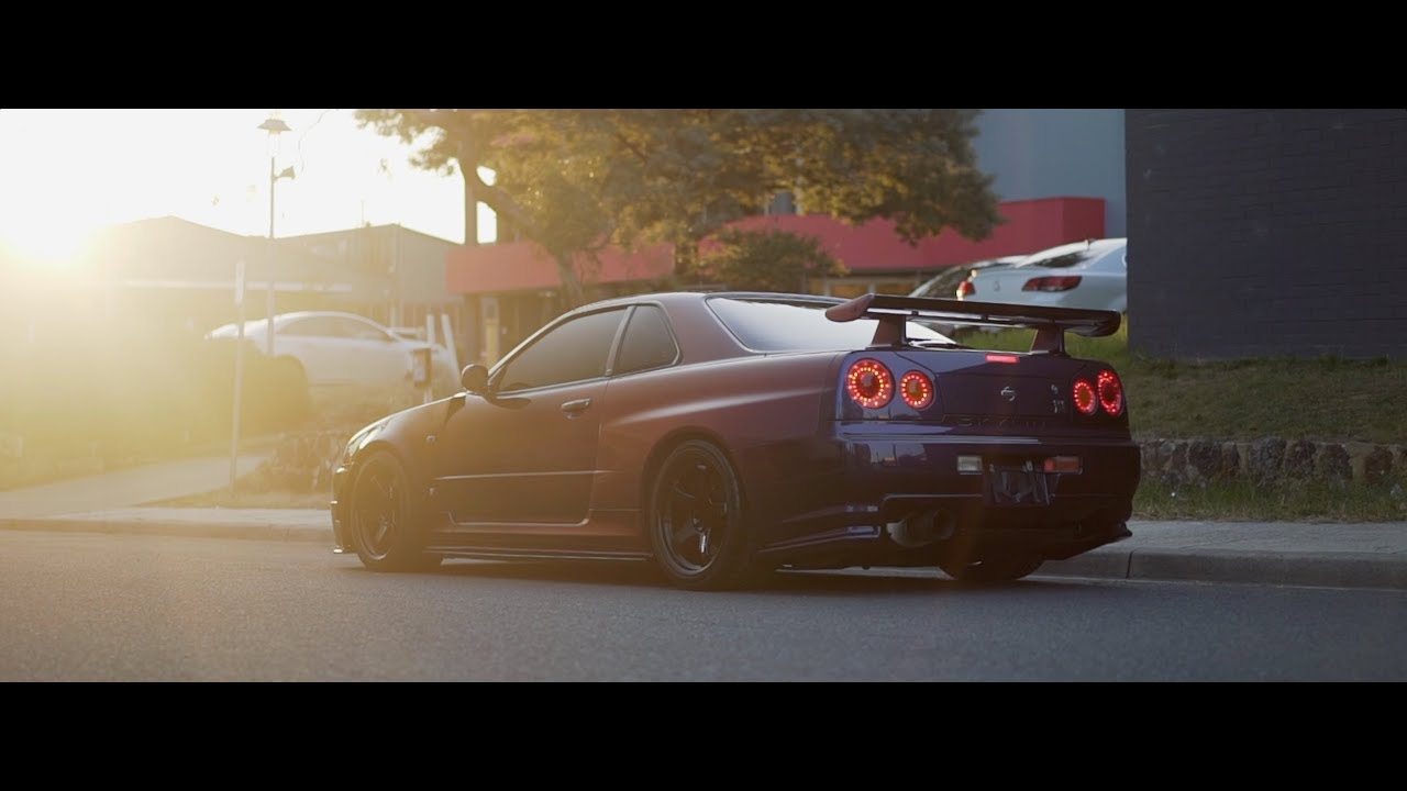 Detailing a Midnight Purple III Fine Spec R34 GTR Vspec 2 ...
