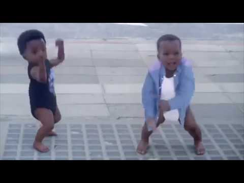 Baby&Me, New Funny Evian Advert/Commercial