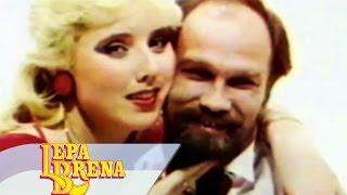 Смотреть клип Lepa Brena - Decko Mi Je Skolarac