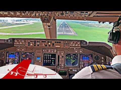 BEAUTIFUL COCKPIT VIEW | BOEING 747-400 | LANDING BUENOS AIRES