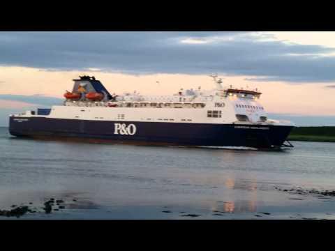 P&O European Highlander @ Larne Harbour 3/7/14