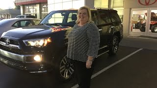 Lisa Chapman with Kinny Landrum Customer Review at Toyota of Bowling Green