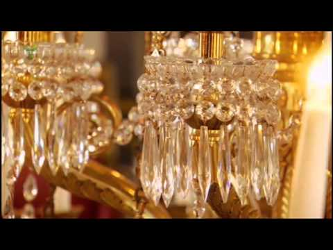 The Queen's high-tech chandeliers in Buckingham Palace