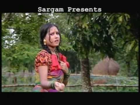 Bangla Folk Song : E Besh Tomay Ke Ba Sajaiche - YouTube