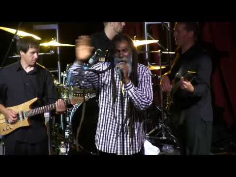 DON CARLOS feat. DUB VISION - Young Girl / Guess Who's Coming To Dinner - live @ Cervantes