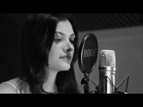 How He Loves - Jesus Culture (Acoustic cover by Iza Hannemann)