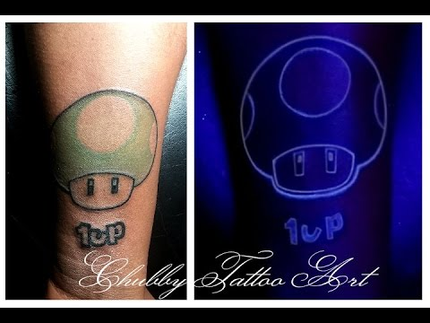 Tatuaje Ultravioleta Con Tinta Invisible Bloodline Uv 1up Youtube