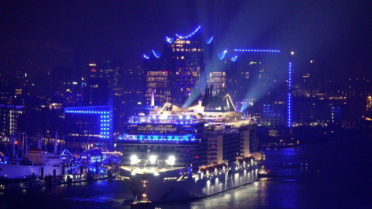 """MSC Grandiosa / Einlaufen in den Blue Port zur Taufe """"Live ..."""