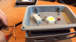 Ремонт светодиодного  LED прожектора 10W(Ремонт светодиодного прожектора 10W прошу простить за тихий звук плохой микрофон. ------------------------------------------------..., 2014-08-15T07:35:31.000Z)