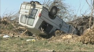 Illinois storm: Tornado leaves death and wreckage in its aftermath