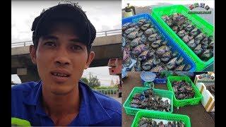 Việt kiều mua hết 30 ký cua để vợ chồng anh Hùng được vào viện thăm con