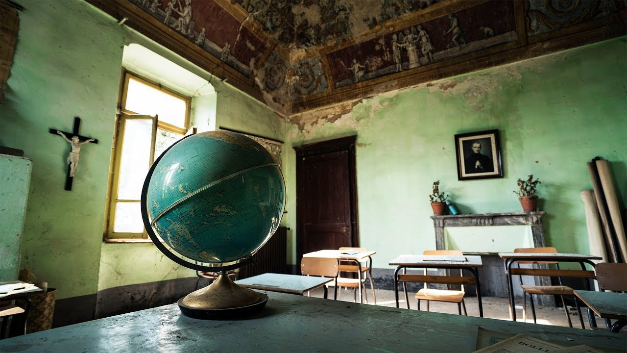 Abandoned Globe School and Italian Church - Europe Road Trip #16