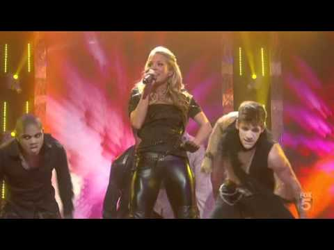 Carrie Underwood - Cowboy Casanova All-Star Holiday Special