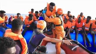 Gerettete auf dem Schiff Alan Kurdi hoffen auf sicheren Hafen