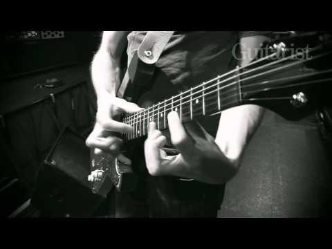 Paul Gilbert plays Van Halen's Eruption video Guitarist Magazine HD