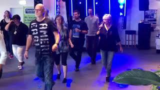 ALL I AM IS YOU - LINE DANCE (Julia Wetzel 2018 )