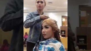 Videos de pegadinha - Chica khmer juega bigo con amigos |   lindo |   Camboya