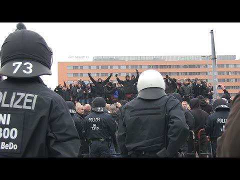 """""""Deutschland, Hooligans"""" - HoGeSa-Kundgebung in Hannover (15.11.2014)"""