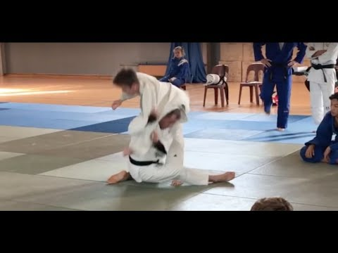 How to do a Retreating Drop Kata Guruma, 肩車 by Matt D'Aquino