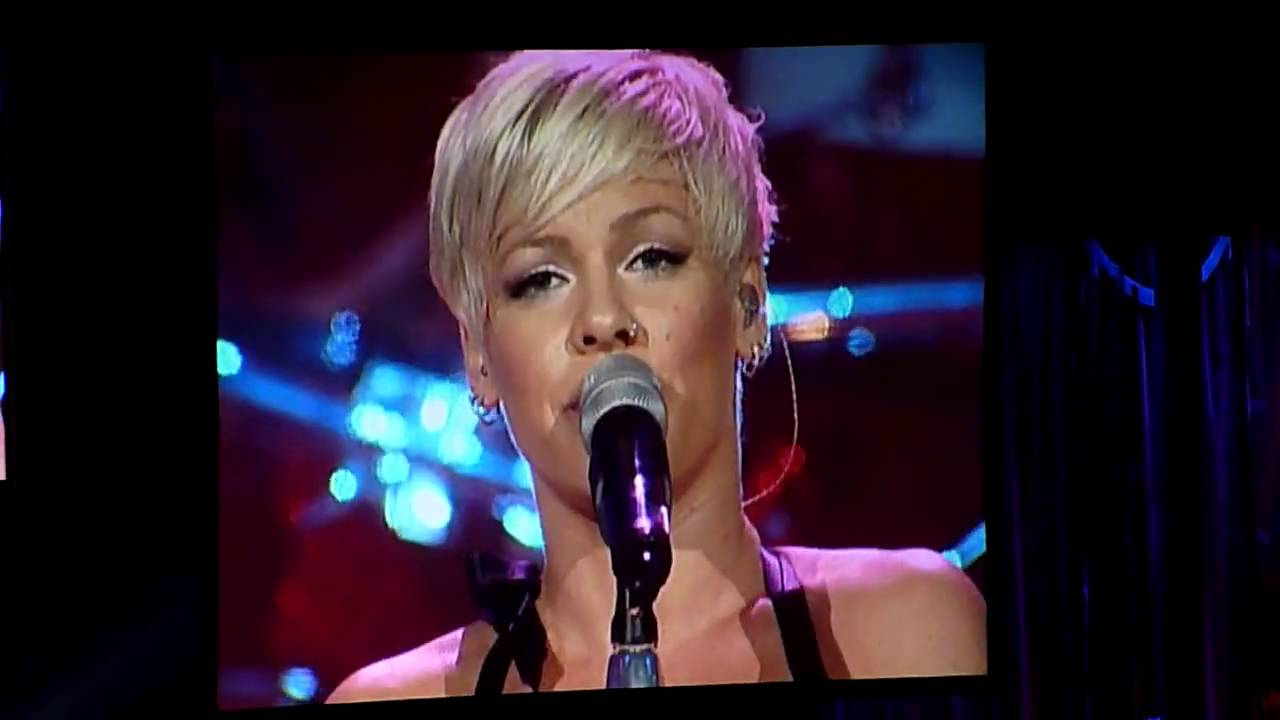 P!nk in Melbourne, June 20, 2009 - Please Don't Leave Me