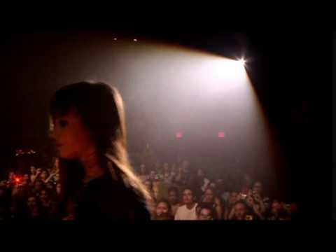 Demi Lovato-Gonna Get Caught-Live@Gramercy Theater