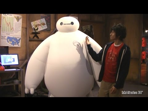 Big hero 6 meet greet real life baymax and hiro disneyland an error occurred m4hsunfo