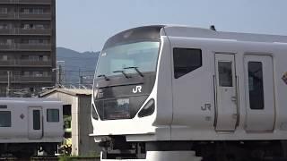 485系「宴」全車解体済みとなりE231系6扉車が解体線へ移動、E231系A520編成が工場で作業中、トラバーサーが稼働する、長野総合車両センター。