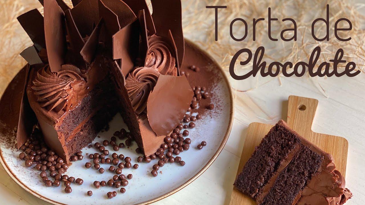 Torta De Chocolate Húmeda Y Esponjosa