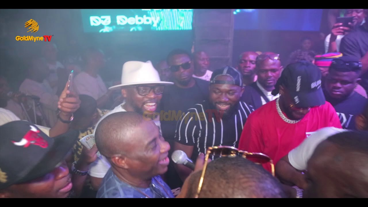 Download K1 DE ULTIMATE GOES INTO CLASSICAL VIBES AT QUILOX PARTY 2019, AS BURNA BOY RAINS DOLLARS ON K1