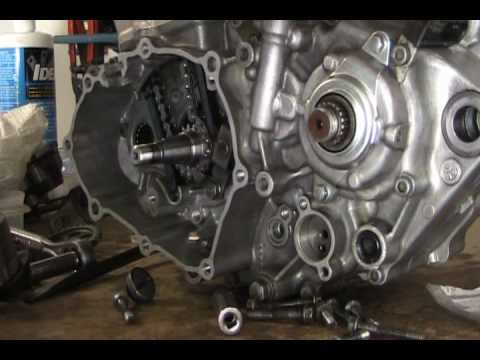 Part 19: 4 stroke installing cam (timing) chain tensioner YZ250F example  YouTube