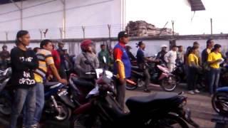 video demo buruh disimp pt samawood menuntut ump 2013