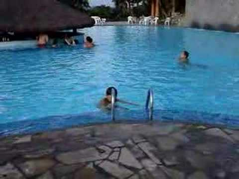 Nadando Na Piscina Funda Youtube