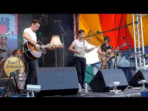 'THE BONES' - Rusty Shackle open the Monmouth Festival 'Folk Style'