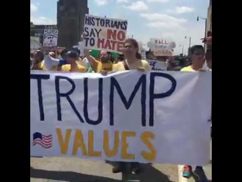 Anti-Trump group marches on RNC